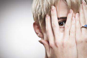 6 צעדים להתמודדות אפקטיבית עם בושה שמתעוררת גם אצל אנשים בעלי הישיגים גבוהים